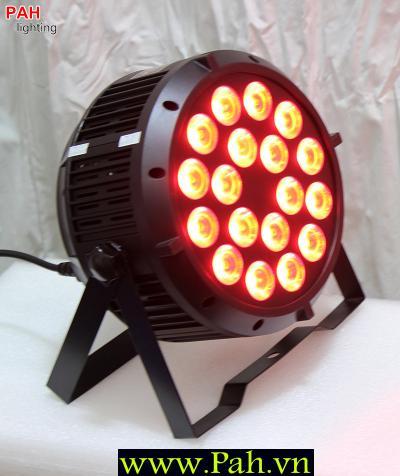 Đèn LED Pha Sân Khấu FARA 18x8W Siêu Sáng 1